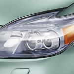 prius-plug-in-headlight_close
